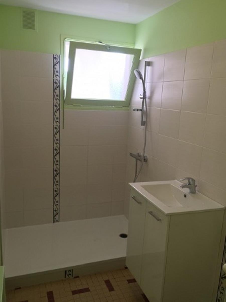 Plombier chauffagiste vertou r novation cr ation de salle for Renovation salle de bain nantes